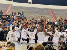 Robinson High School Wins 4A High School Football State Championship