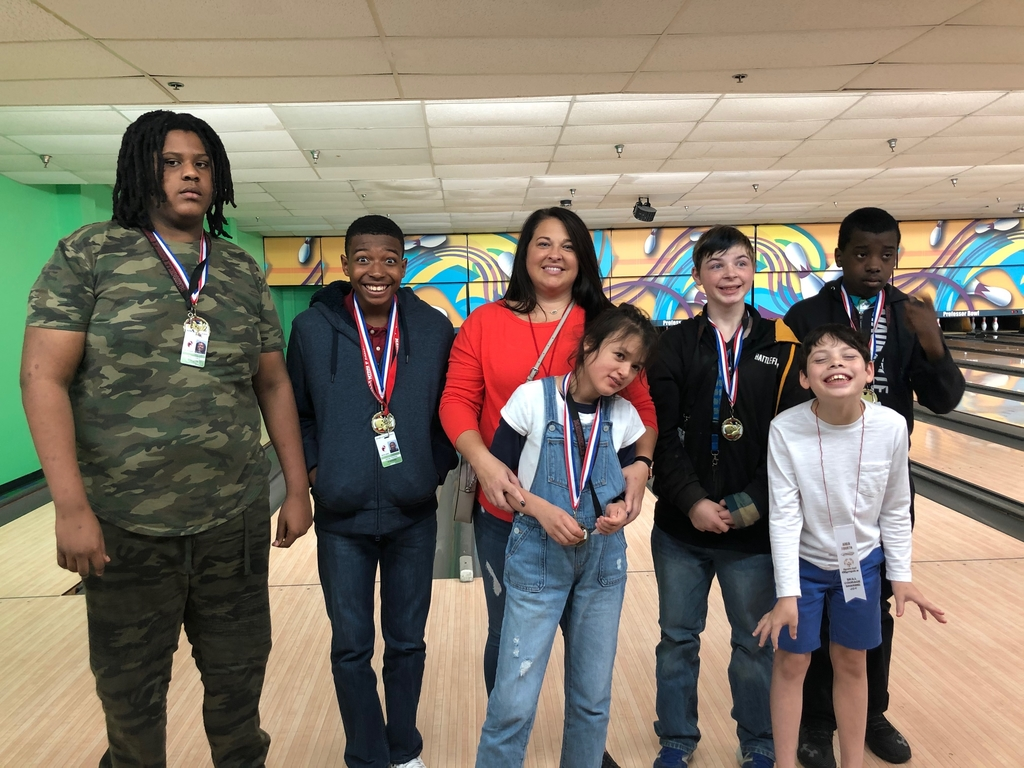 Special Olympics bowling participants